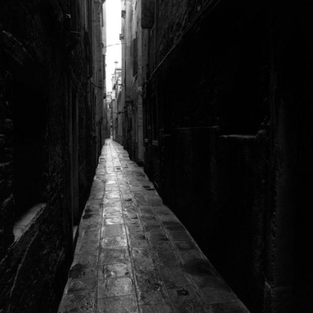 marco-paoluzzo-46 wąska uliczka